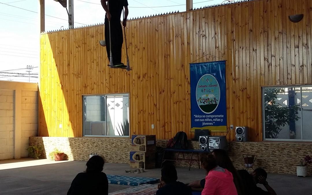 Jóvenes aprenden Circo Social en Talleres de programas PLA-PLE