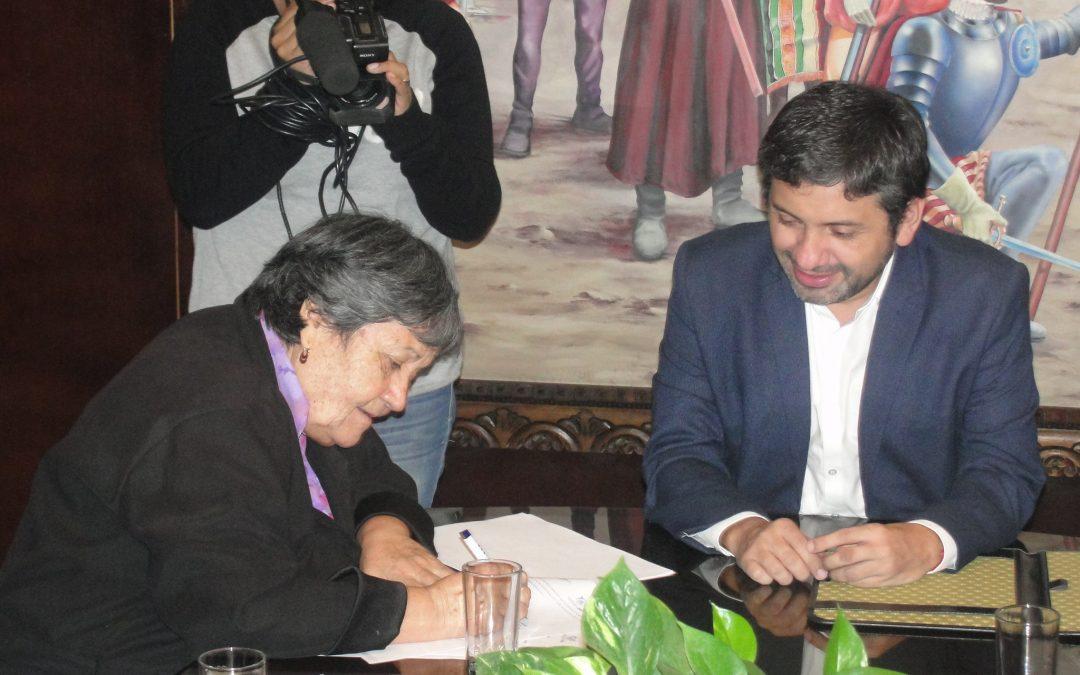 Programa PIL CORFAL firma convenio con Ilustre Municipalidad de Arica para reinserción laboral de jóvenes