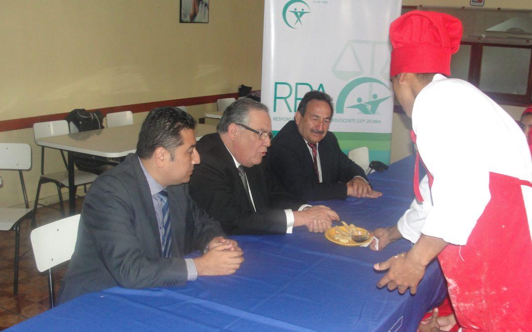 Ministro de Justicia y Derechos Humanos visitó Capacitaciones de Cocina Nacional e Internacional de programas CORFAL RPA