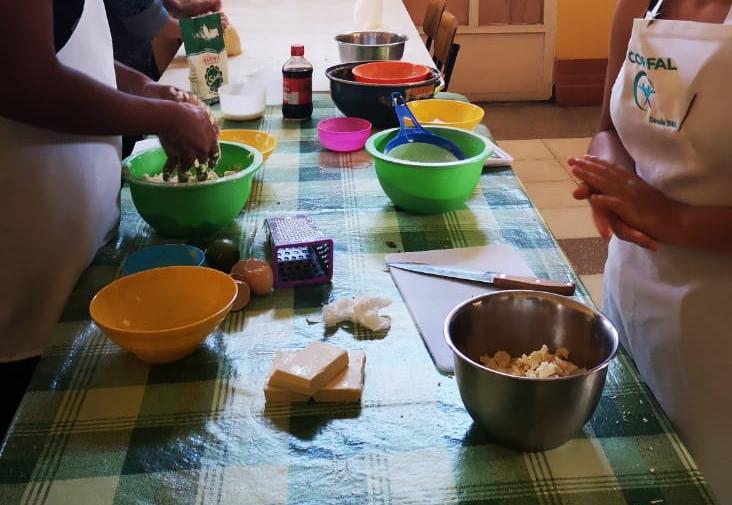 Programa PLE finalizó sus talleres de pastelería y repostería «Visión Emprendedora»
