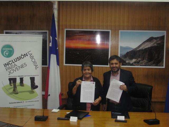 Programa PIL CORFAL firma convenio de colaboración con OMIL Ilustre Municipalidad de Arica